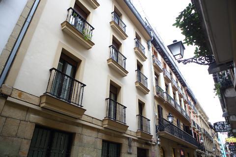 Apartamentos tutelados, fachada
