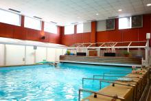 Hospital Ricardo Bermingham, piscina