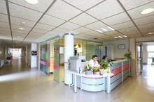 Hospital Ricardo Bermingham, recepción